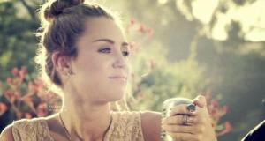 "Miley Cyrus - The Backyard Sessions - ""Jolene"" - Tree ..."